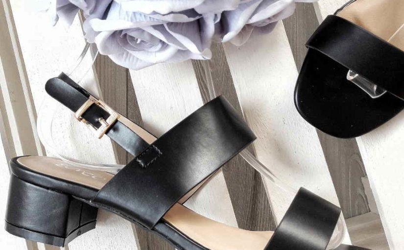 Modne sandały na słupku