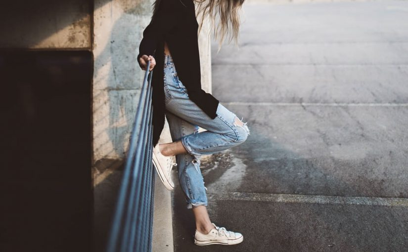 O damskich butach słów kilka